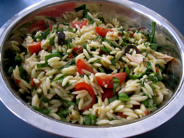 recipe: chicken florentine salad with orzo pasta [3]